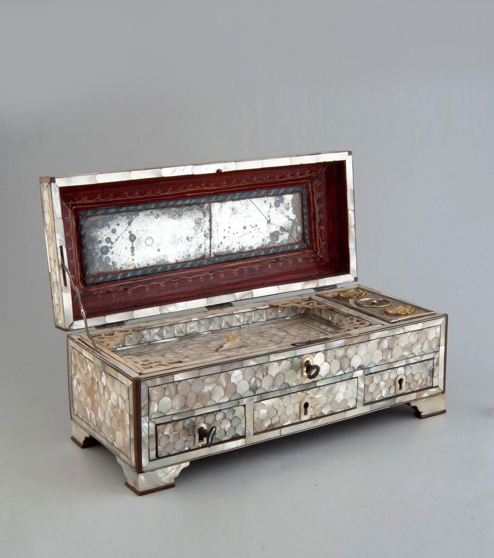 SHM14123 - Calligrapher's tool caseWood - mother of pearlOttoman, 18th century