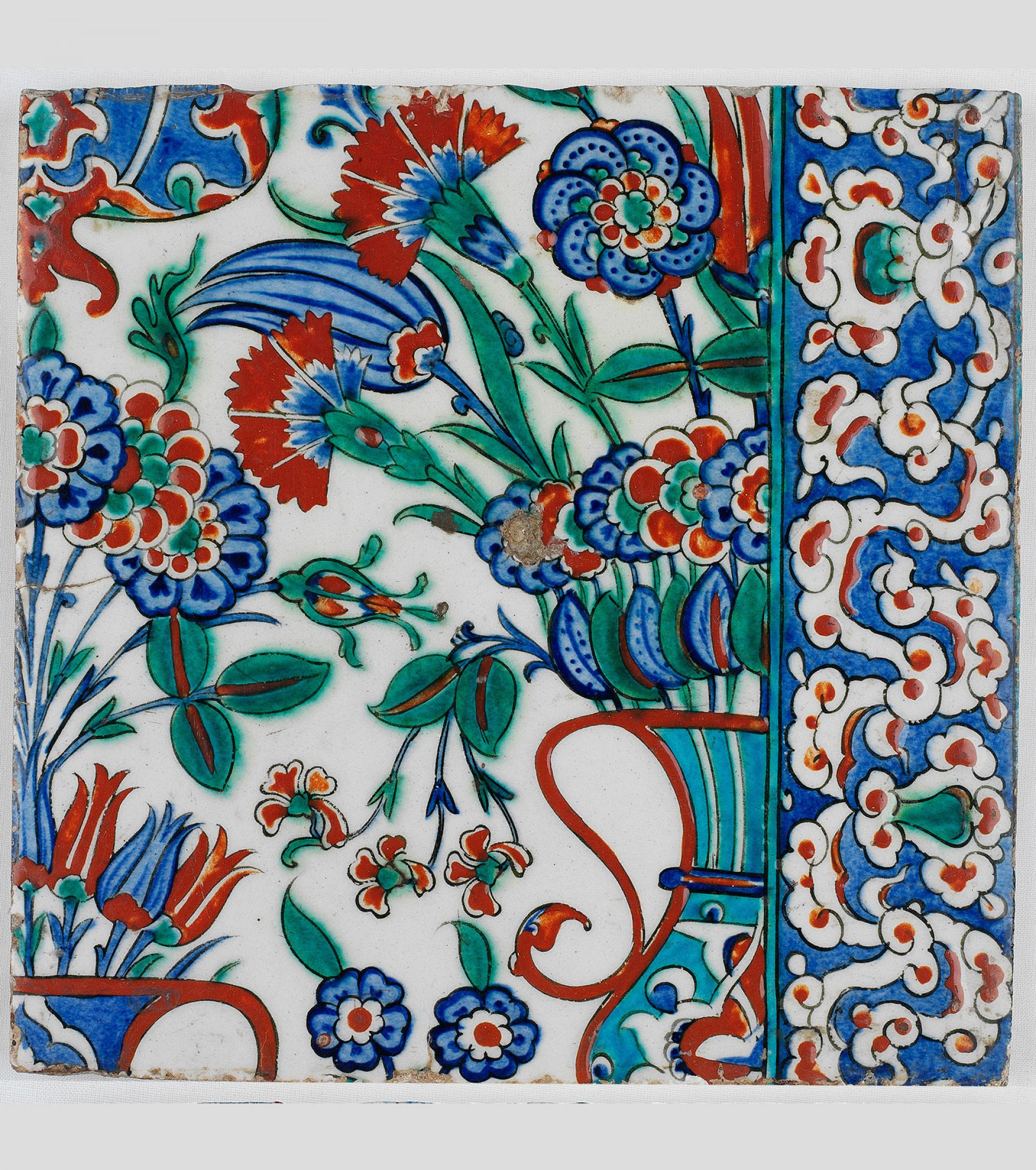 SHM17582 - TileOttoman, second half of 16th century Iznik