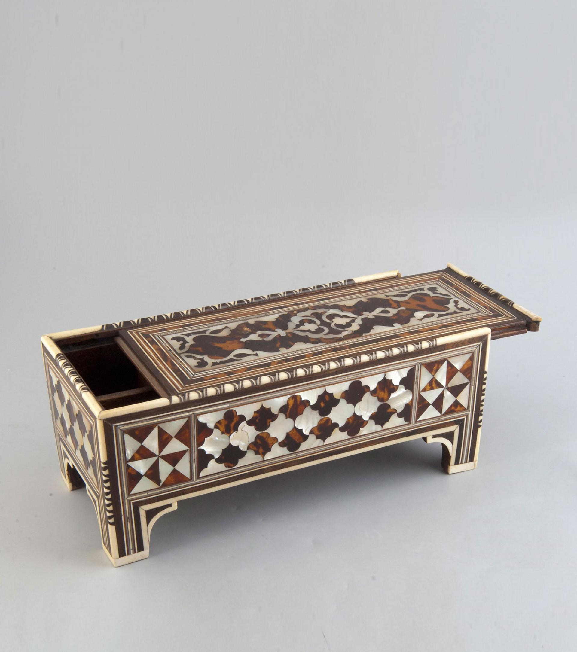 SHM15639 - Calligrapher's tool caseWood - mother of pearl - ivoryOttoman, 18th centuryIstanbul